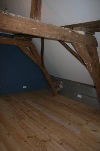 grenen vloer onbewerkt slaapkamer